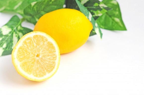 おすすめレモン汁比較ランキング!ドレッシングやドリンクに人気なのは?