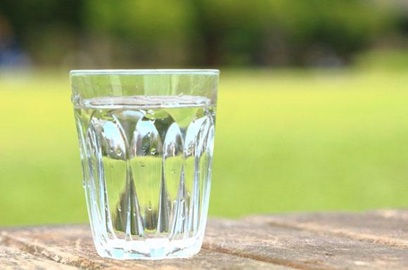 ダイエットや健康におすすめな水は?人気の商品比較ランキング