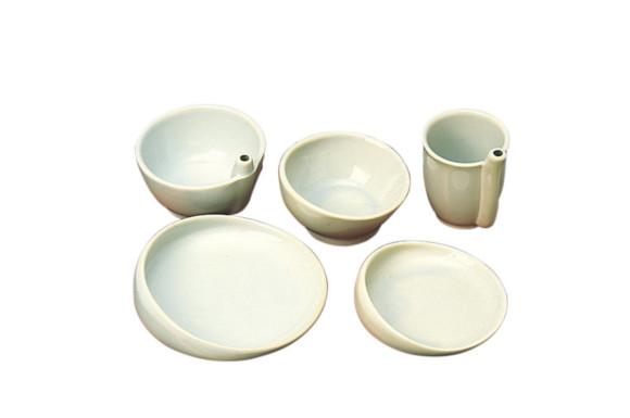 有月陶器 らくらく食器 5点セット(飯茶碗、湯呑、小鉢、小皿、中皿) 陶磁器 底面シリコン加工 ユニバーサルデザイン 食事用具