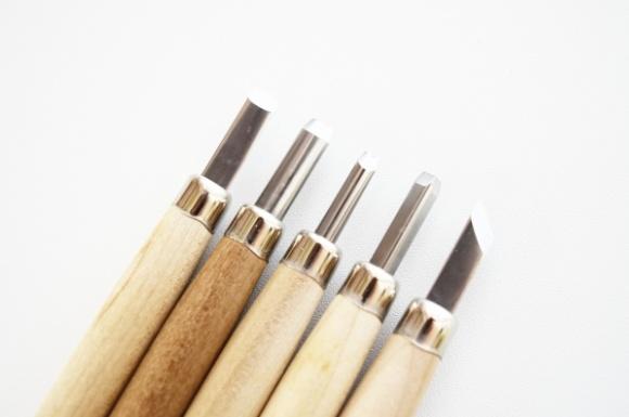 おすすめの彫刻刀比較ランキング!木彫りなどにも人気なのは?