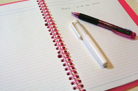 ノートとペン2本