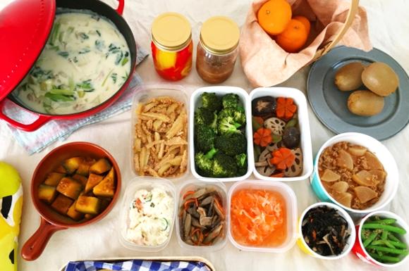 鍋とさまざまな料理