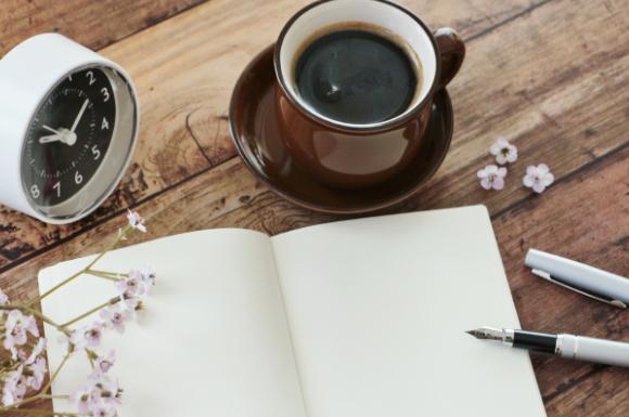 机の上と万年筆