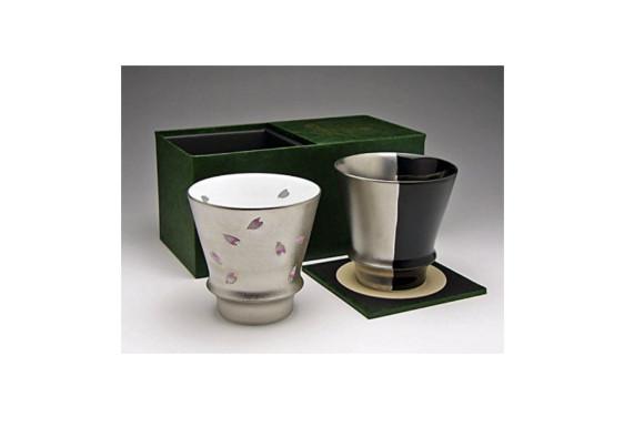 【有田焼ギフトセット】うまい焼酎をもっとうまく!匠の蔵 至高の焼酎グラス 夜桜&銀と黒