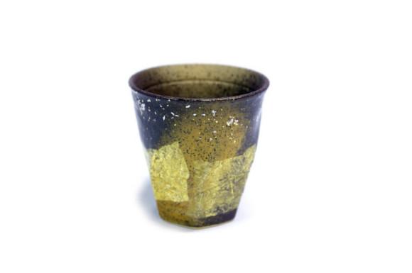 九谷焼 陶器 荒削り焼酎グラス 銀彩金銀ちらし(黄色)