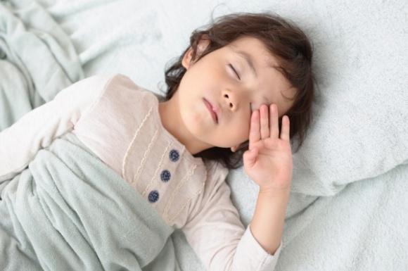 子供 寝起き